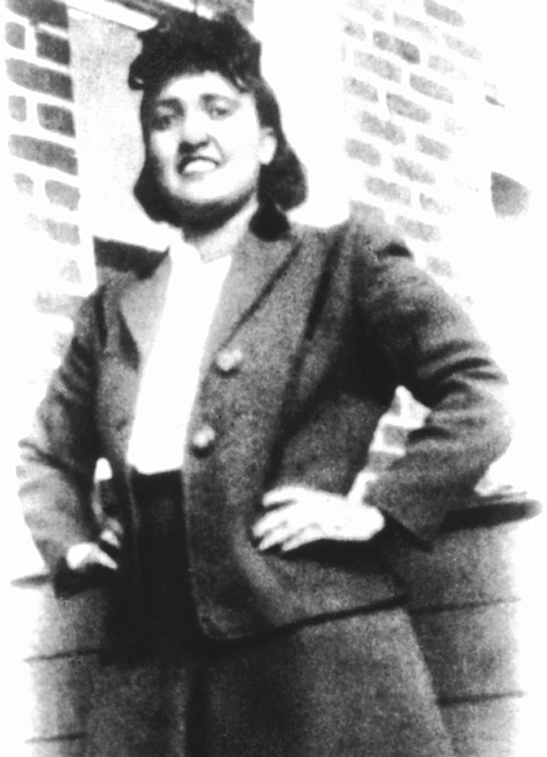henriettas lacks The immortal life of henrietta lacks by rebecca skloot is the story of henrietta  lacks, a poor black woman who died in 1951 from cervical cancer at age 31.